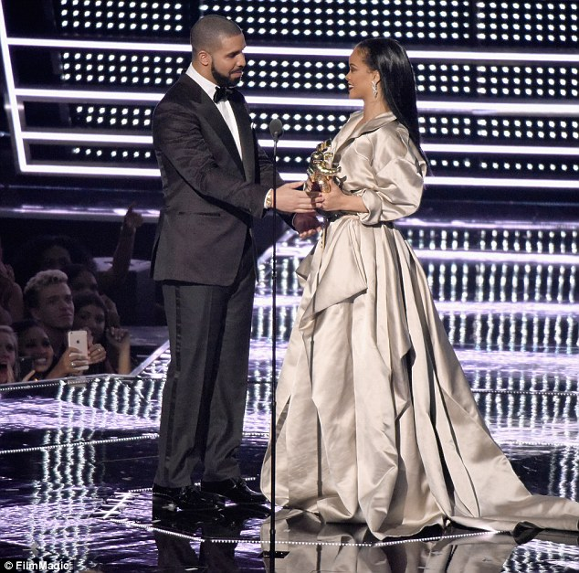 Shouting it from the rooftops! Just a night befoer Drake revealed that he has loved Rihanna since he was 22-years-old as he presented her with the Michael Jackson Video Vanguard Award on Sunday night during the MTV Video Music Awards in New York City