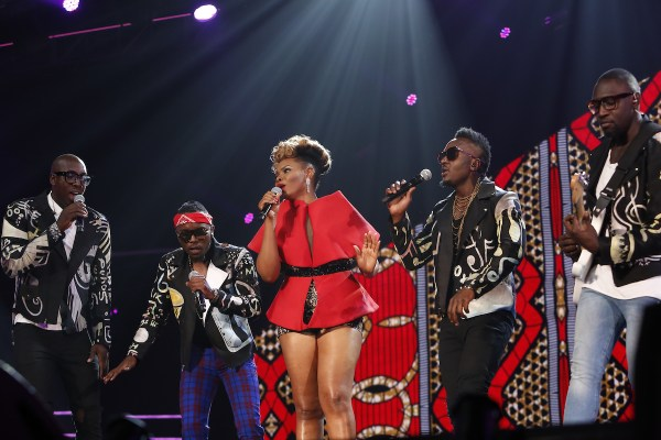 Yemi Alade performs with Sauti Sol